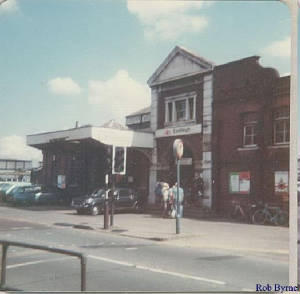 eastleigh.railway.station.jpg